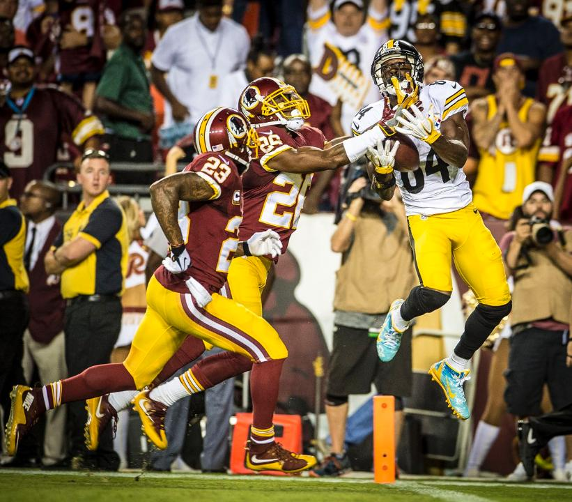 Breeland showing off the strong hands on this TD catch