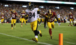 LANDOVER, MD - SEPTEMBER 12: Running back DeAngelo Williams #34 of the Pittsburgh Steelers scores a fourth quarter touchdown past strong safety DeAngelo Hall #23 of the Washington Redskins at FedExField on September 12, 2016 in Landover, Maryland. (Photo by Patrick Smith/Getty Images)